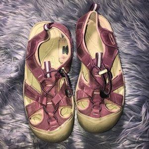 Women's Purple Keen Sandals Size 8.5